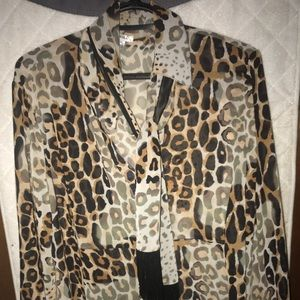 Leopard skin pattern blouse